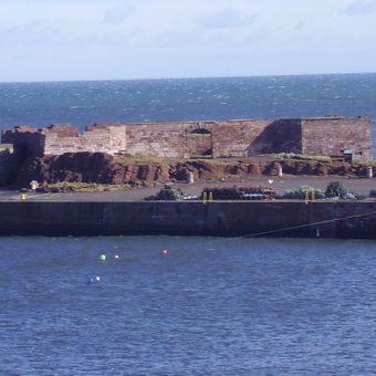 Photograph of the exterior of Dunbar Battery